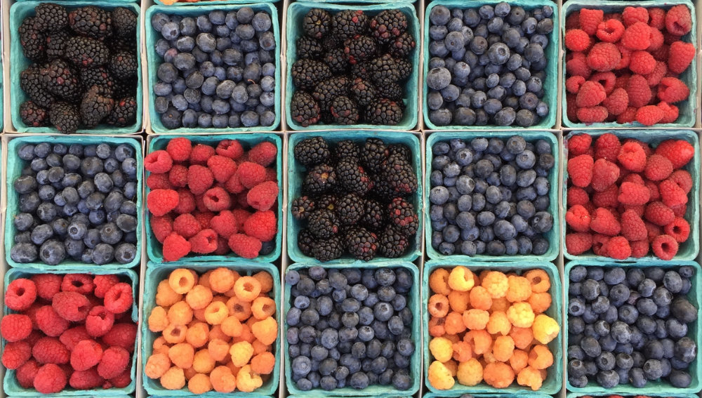 Classifying fruits with a Convolutional Neural Network in
